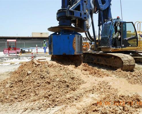 Die Bohrtechnik für den Spezialtiefbau von STDS-Jantz bewährt sich beim Groß-Projekt am Flughafen Dubai.