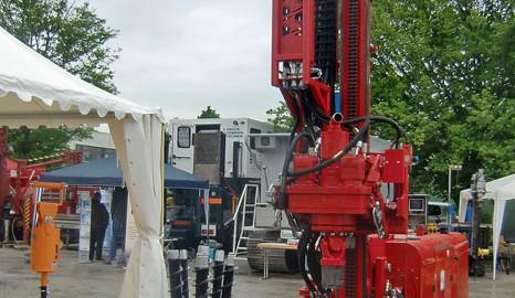 Das Brunnenbohrgerät PRD 50 von STDS-Jantz war auch im Praxiseinsatz zu sehen.