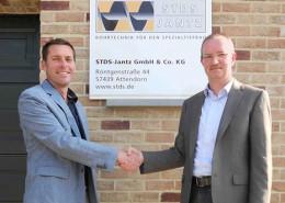 Peter Jantz (right), Managing Director STDS - Jantz, and Marnik Janssens (left), Sales Manager STDS - Jantz (Belgium) place particular emphasis on customer contact